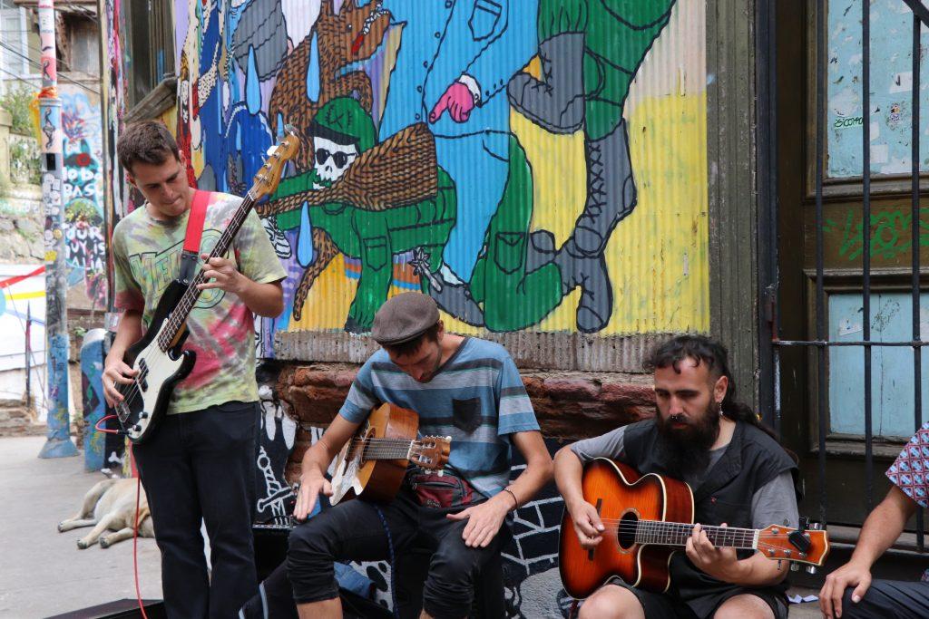 Valparaiso Street music