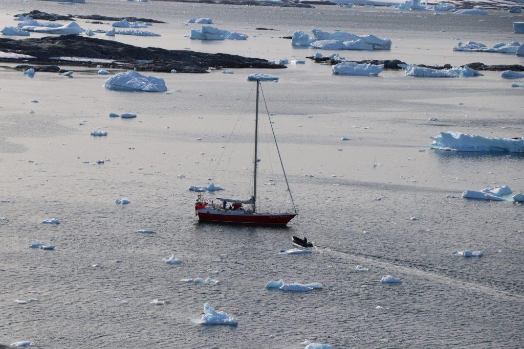 Sailing yacht to Antarctica