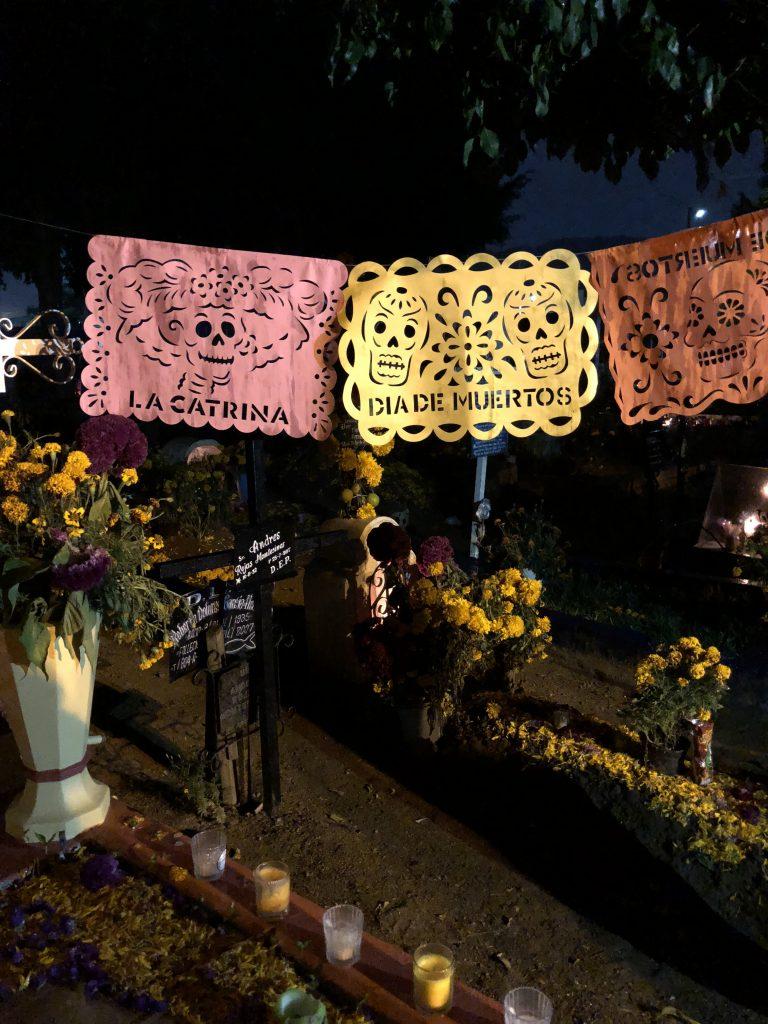 cemetery dia de los muertos
