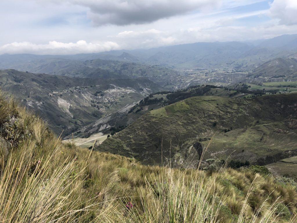 quilotoa ecuador hike